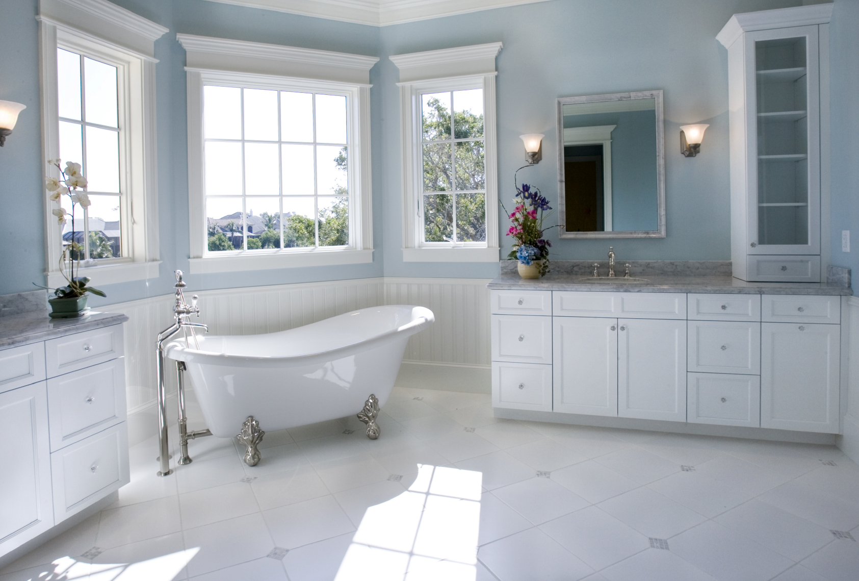 2015 bathroom trends handy man for Photos of contemporary bathrooms