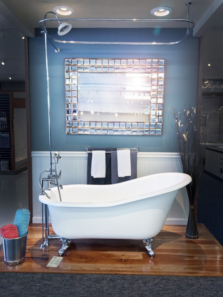 Showroom clawfoot bathtub with sparkly mirror